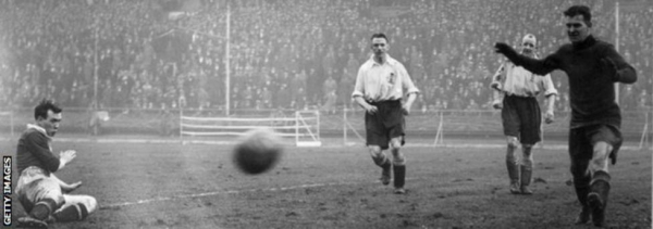 Hughie Gallacher, left, was making his first appearance after being banned for pushing a referee into a bath