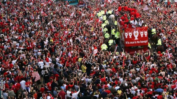 Liverpool parade the Champions League trophy in 2005